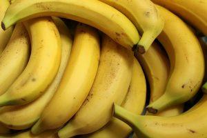 Grappe de banane pour la recette du banana bread